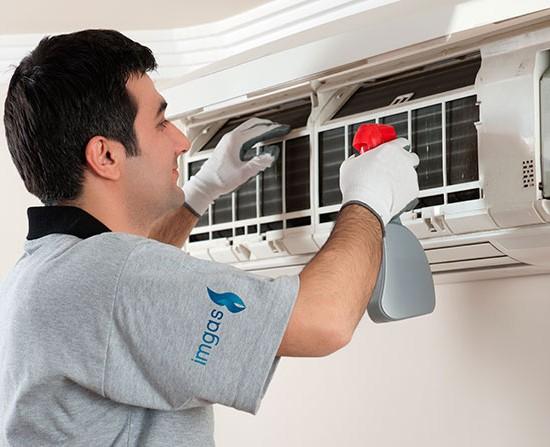 correcto mantenimiento del aire acondicionado